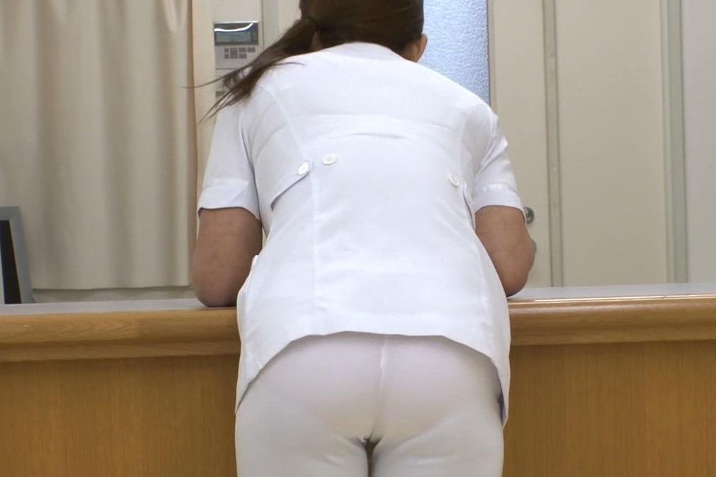 看護士の透けパン