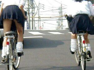 JK自転車パンチラ
