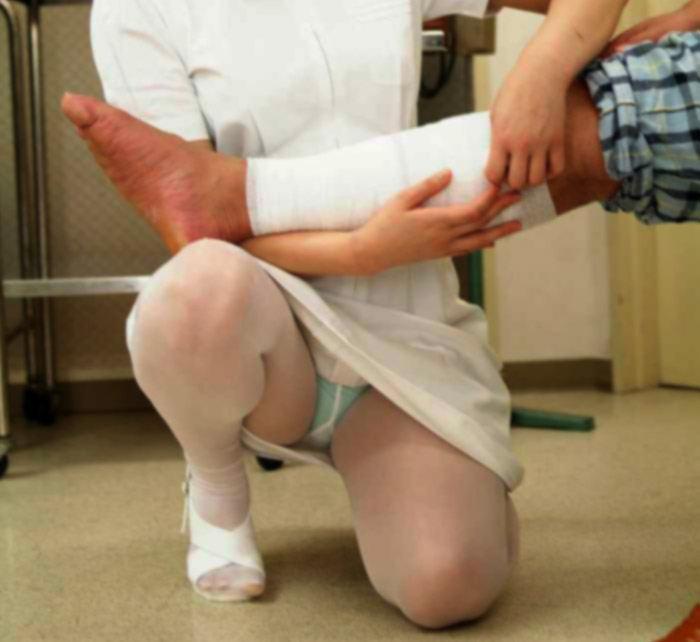 看護士パンチラ